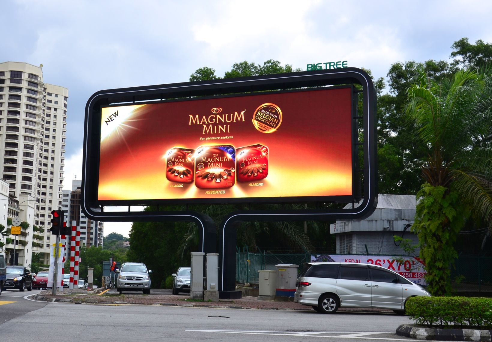 LEDtronics : LED Displays | Digital Billboards | Media Facade